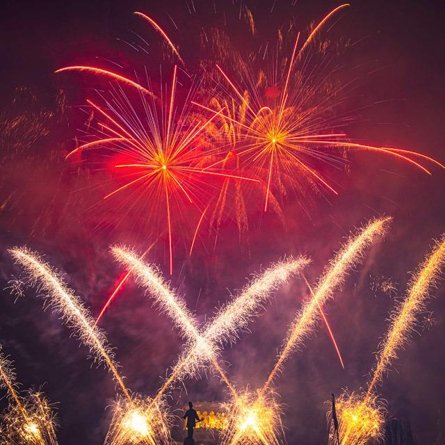 Artificii piromuzicale